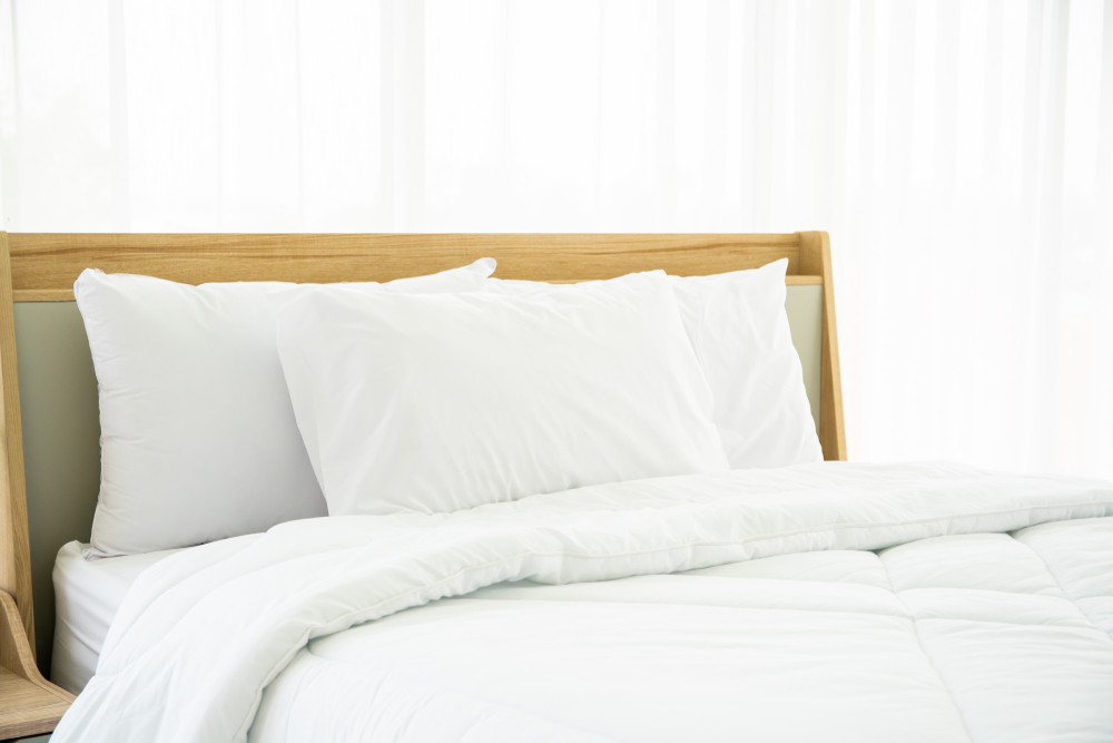 how hotels keep sheets white